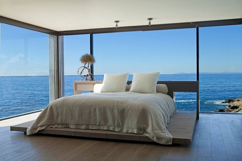 Modern-California-bedroom-with-an-ocean-view