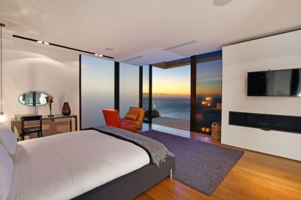 Modern-guest-bedroom-with-an-ocean-view