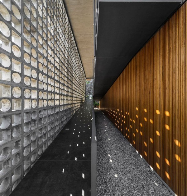 Open-ramp-creates-a-unique-entrance-to-the-contenporary-Brazilian-home