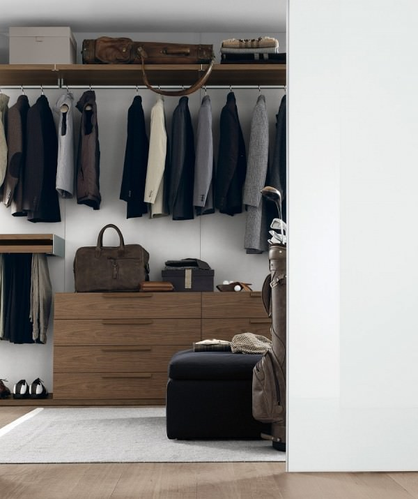 Organize-your-bedroom-elegantly-with-a-trendy-walk-in-closet