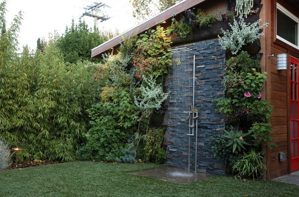 Outdoor-shower-area-is-simple-and-stylish