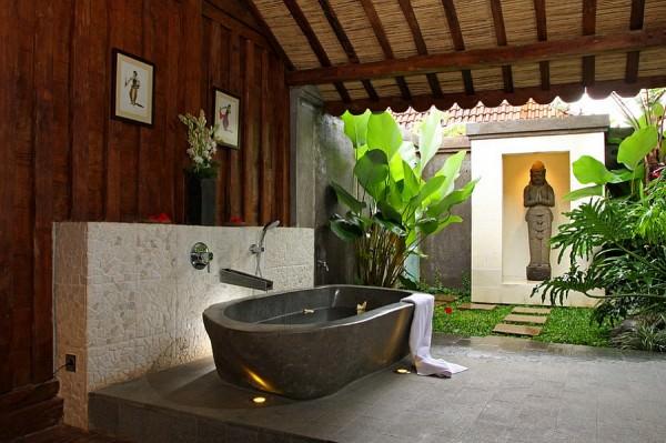 Semi-outdoor-bathroom-with-its-own-zen-nook