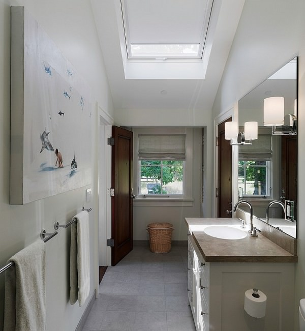 Skylight-with-shades-gives-the-room-better-insulation