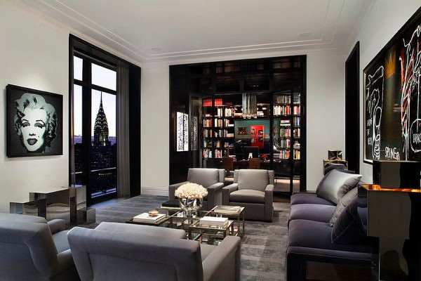 Spectacular-view-of-New-York-City-Skyline-adds-to-the-appeal-of-the-living-room