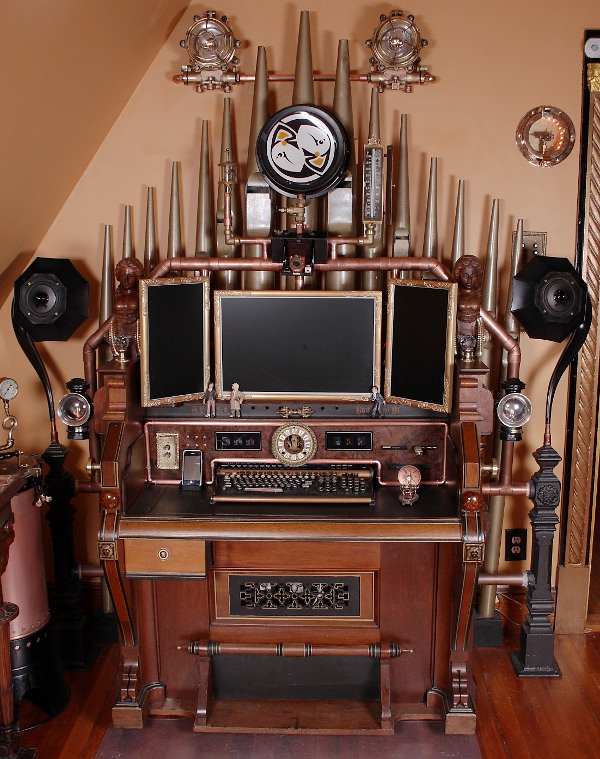 Steampunk-organ-cockpit-desk