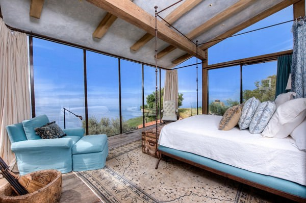 Stunning-Mediterranean-style-bedroom-with-a-breathtaking-view