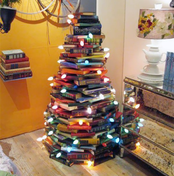 XX-Of-The-Most-Creative-Christmas-Trees-Ever36__605