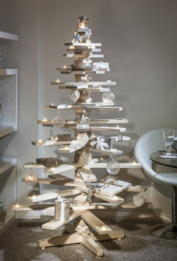 XX-Of-The-Most-Creative-Christmas-Trees-Ever__700