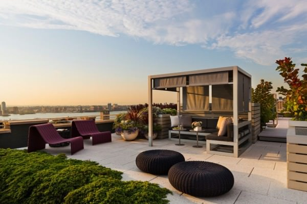 amazing-rooftop-design-round-pouf