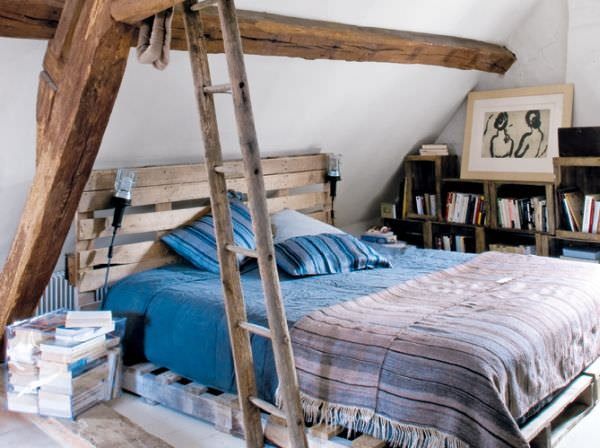 attic-pallet-bed