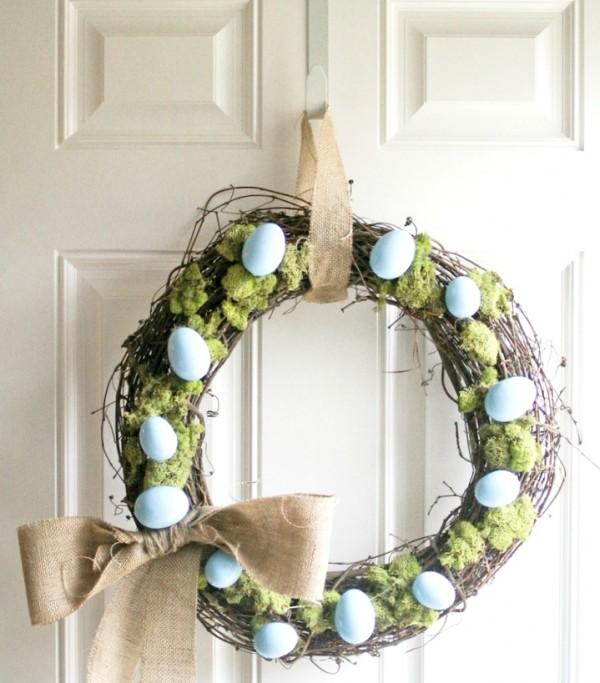 blue-eggs-wreath