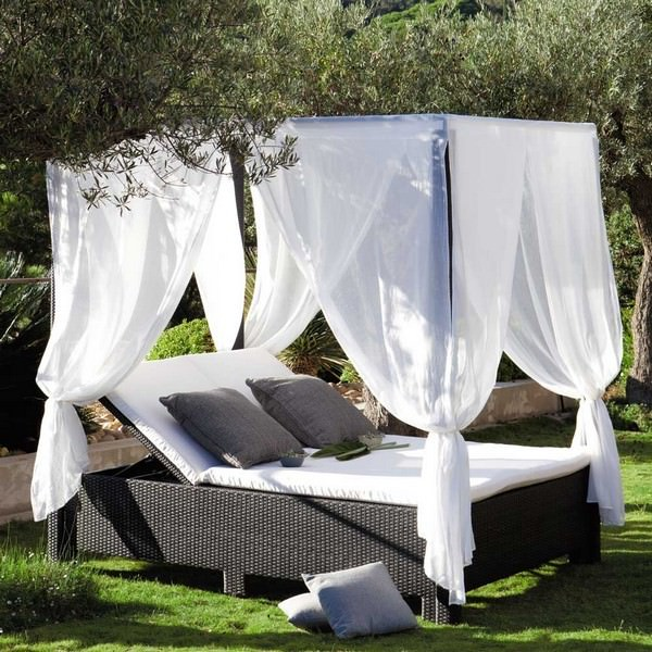 canopy-outdoor-bed