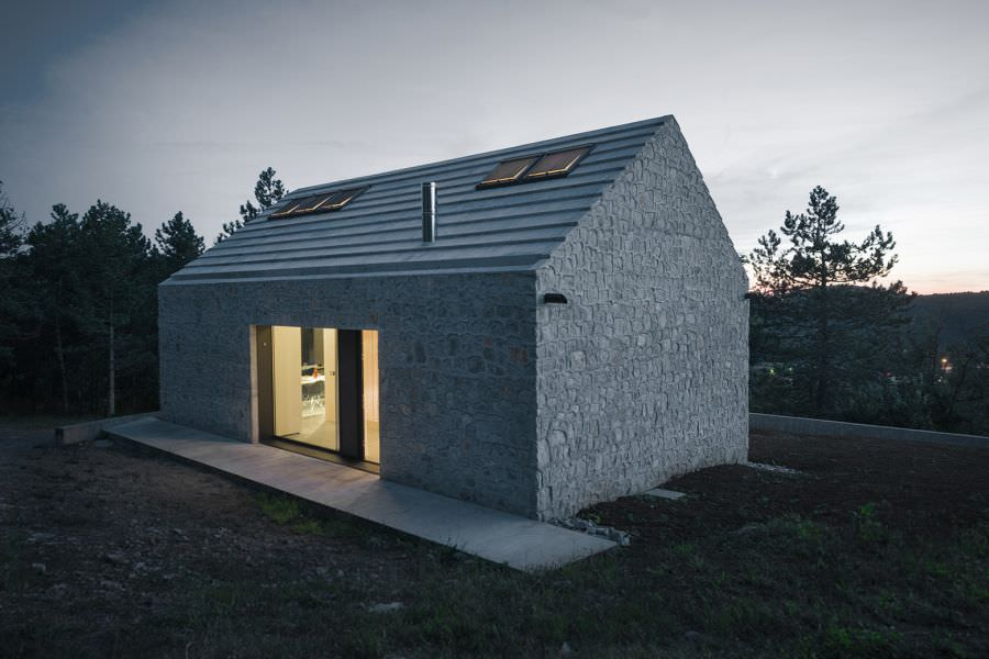 compact-slovenia-house