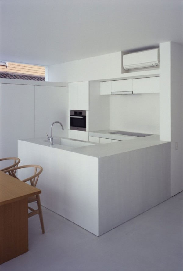 contemporary-japanese-style-white-kitchen-693x1024