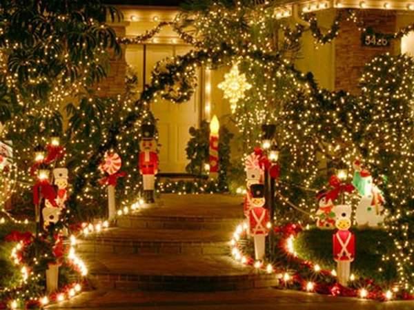 decoratiuni-casa-exterior-craciun-freshhome (4)