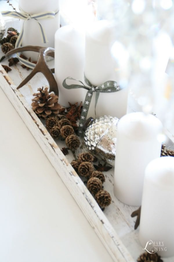 display-white-candles-winter