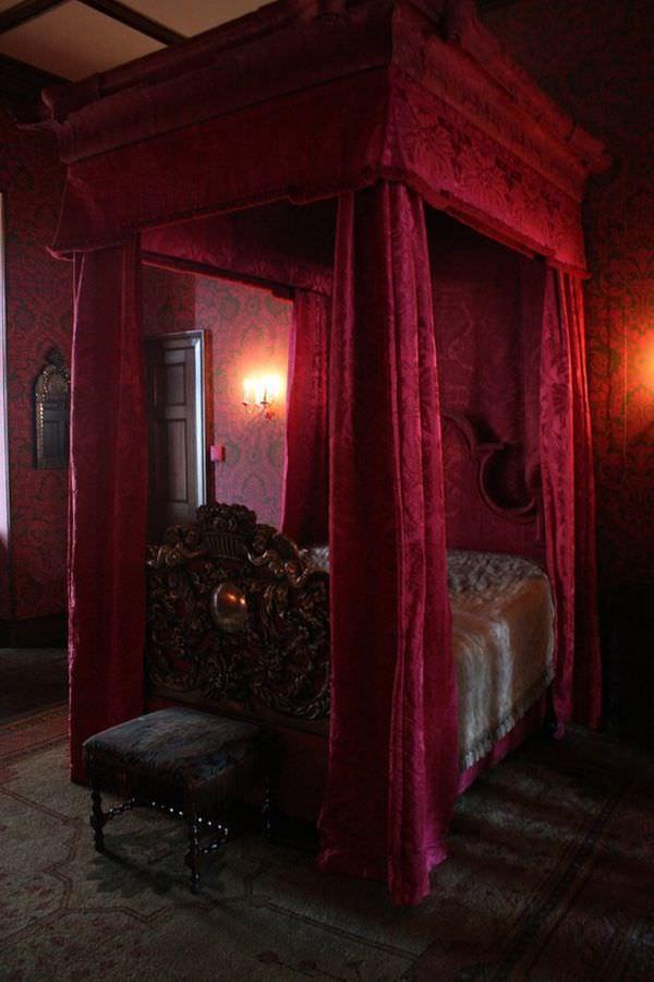 dormitor gotic 12
