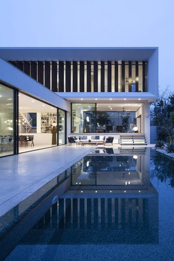 exterior-mediterranean-villa-paz-gersh-architects