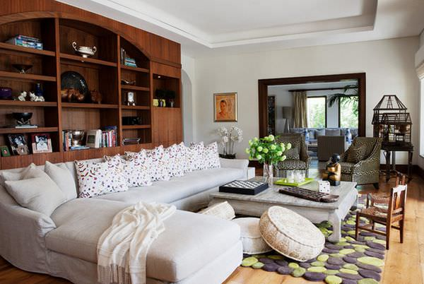 floor-pillow-around-coffee-table