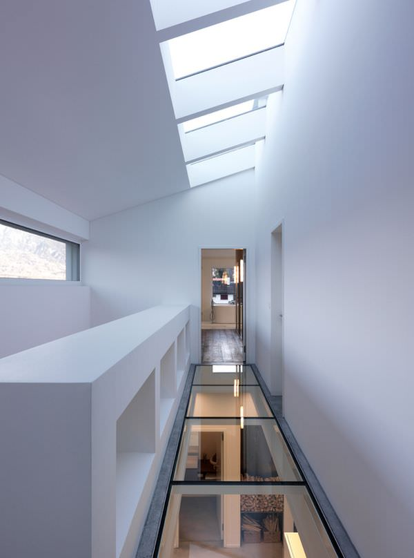 hall-glass-floor