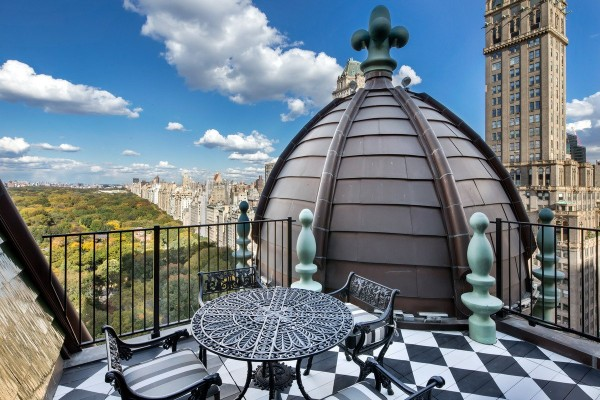 if-you-head-up-to-the-roof-you-get-amazing-views-of-central-park-and-fifth-avenue