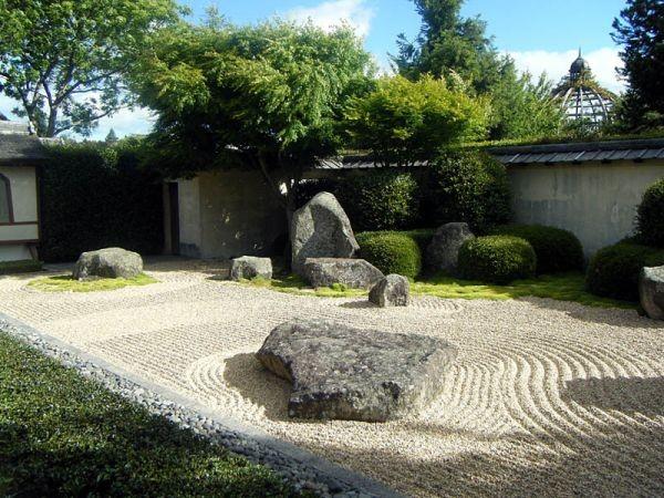 japanese-garden-at-hamilton-gardens-waikato-new-zealand