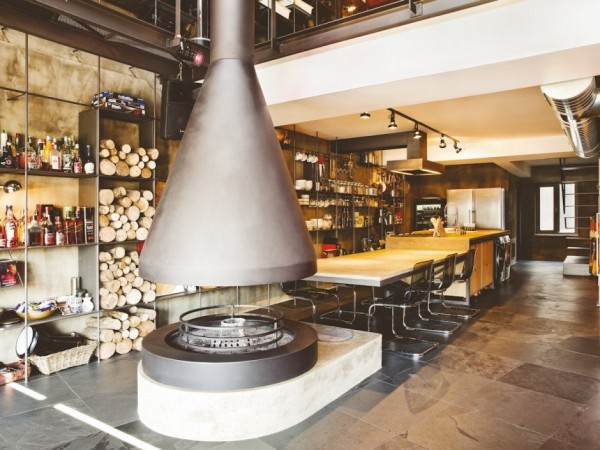 karakoy-loft-kitchen-firewood-open-space
