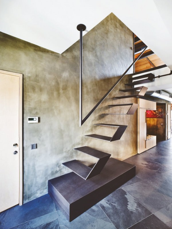 karakoy-loft-metalic-floating-stairs