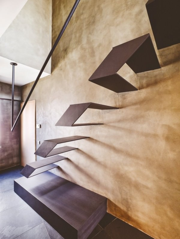 karakoy-loft-metalic-floating-stairs1