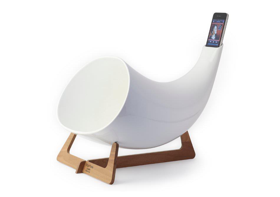 megaphone-gadget-horn-sunet-iphone-designer-audio-apple2