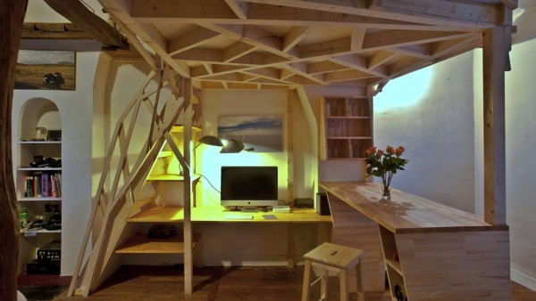 mezzacabane-small-apartment-desk