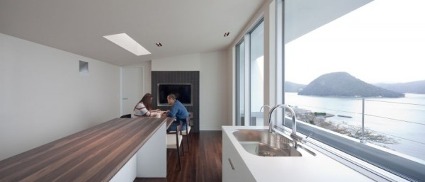 minimalist-japanese-kitchen-with-view
