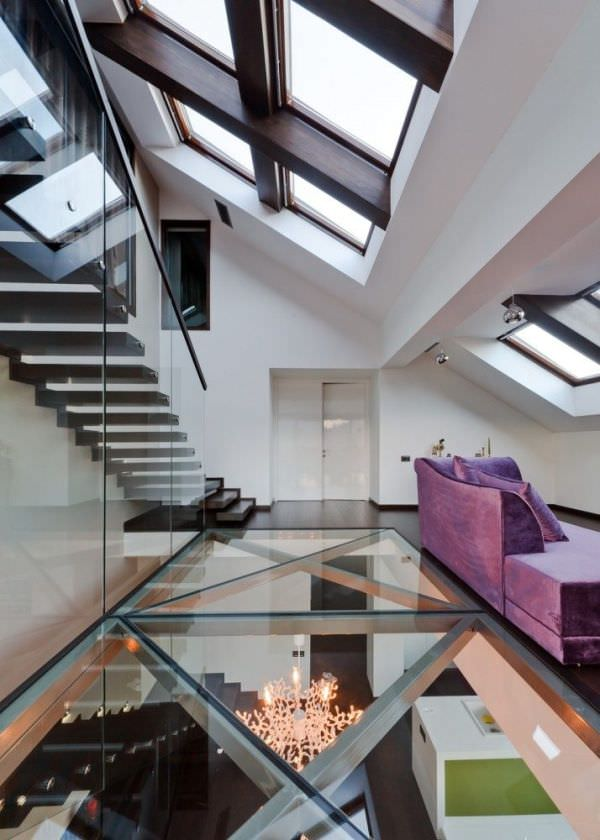 modern-house-glass-floor