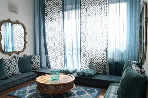 morrocan-blue-interior-design-floor-seating