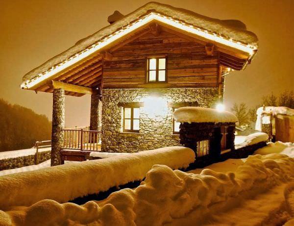 old-ski-area-chalet