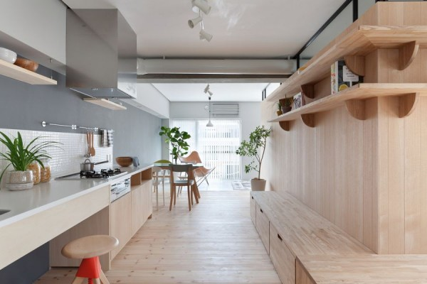 open-shelves-natural-kitchen-japanese