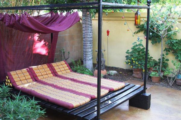outdoor-beds-backyard