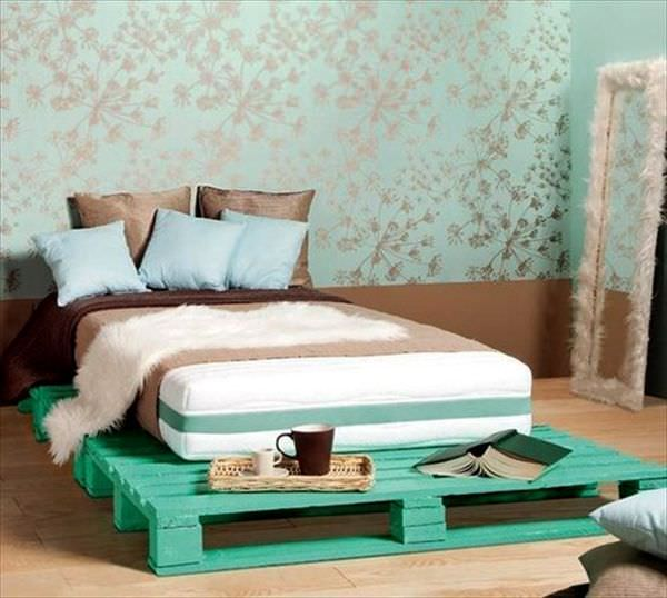 painted-turquoise-frame-bed