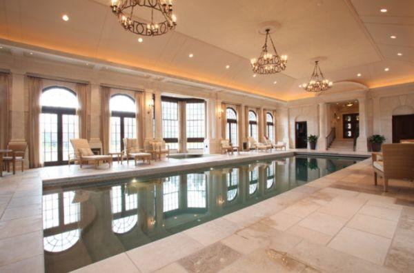 pool-modern-chandeliers