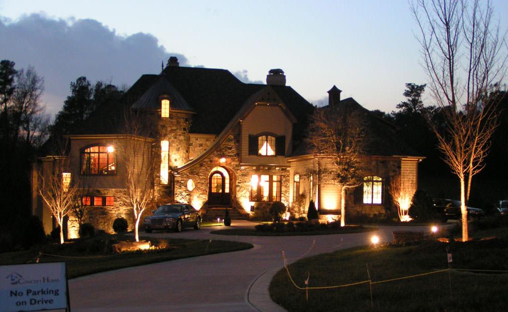 sisteme-iluminat-curte-casa (1)