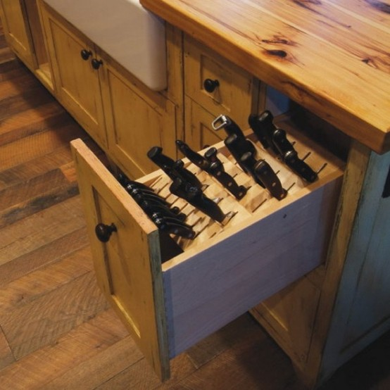 smart-concealed-kitchen-storage-space-7-554x554