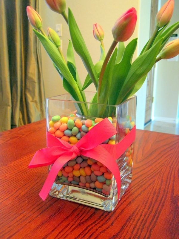 table-flowers-easter