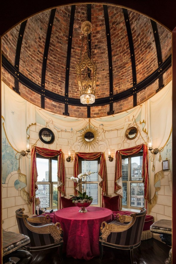 the-duplex-also-comes-with-an-iconic-dome-ceiling-over-a-private-dining-area