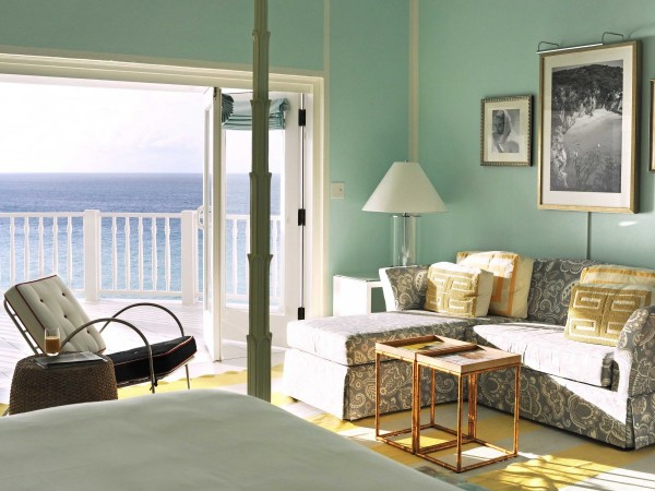 the-renovated-resort-has-44-ocean-view-rooms-and-suites