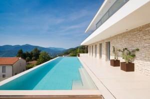 vila-lux-cu-piscina (14)