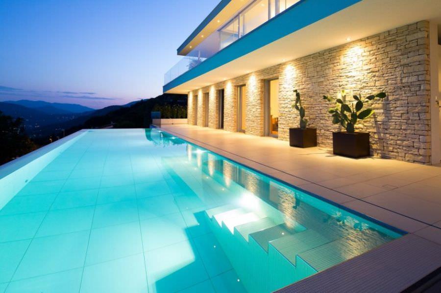 vila-lux-cu-piscina (9)