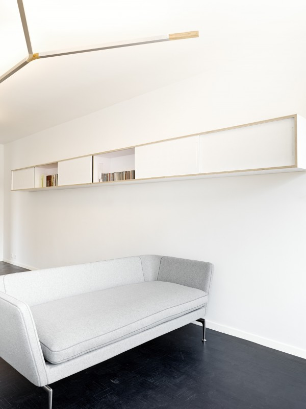 white-geneva-flat-freaks-freearchitects-wall-shelves