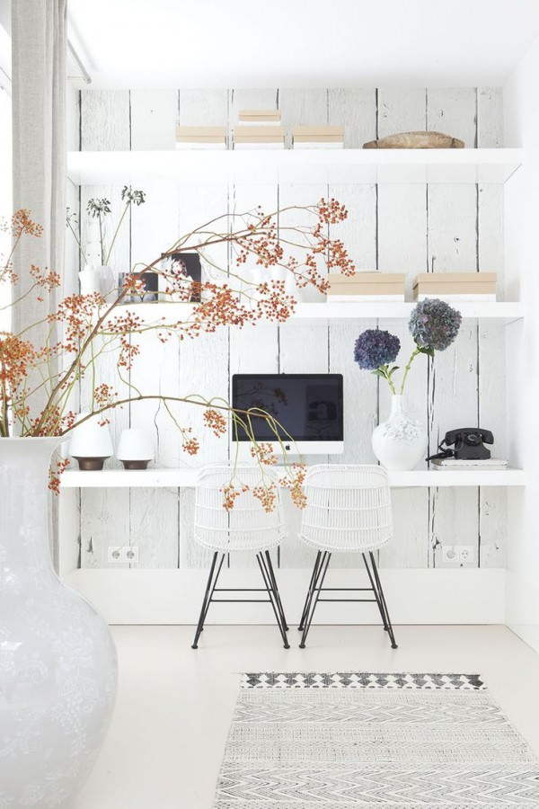 white-washed-wall-behind-desk-white-office-room