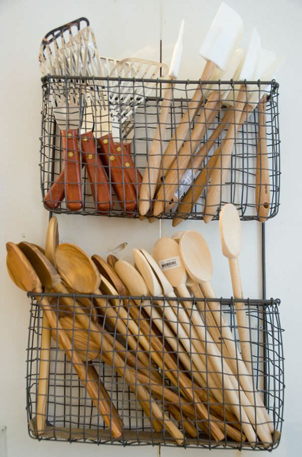 wire-basket-for-utensils
