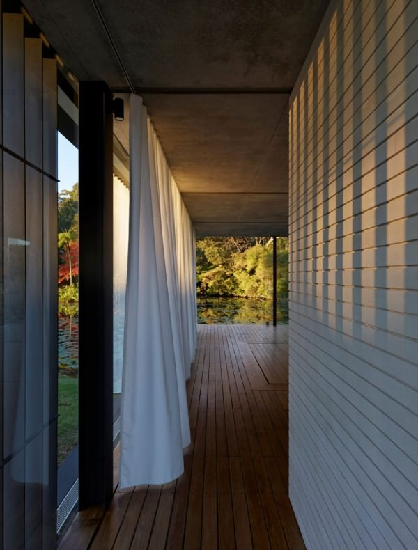 wirra-glass-willa-pavilion-curtains-hallway